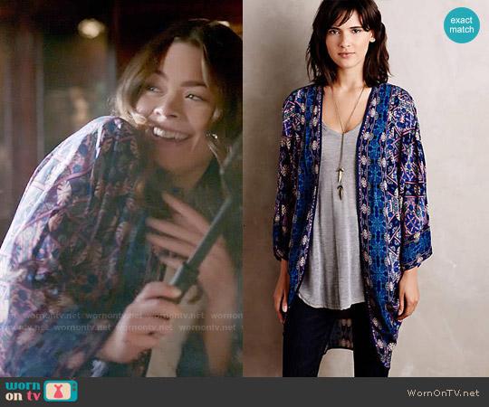 Anthropologie Kawachi Gardens Kimono worn by Scarlett Byrne on The Vampire Diaries