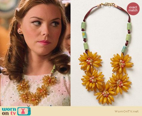 Anthropologie Blossomed Garland necklace worn by Kaitlyn Black on Hart of Dixie