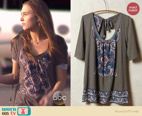 Anthropologie Brilliant Bowknot Tee worn by Lennon Stella on Nashville