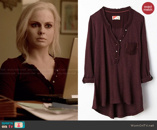 Anthropologie Essential Henley in Burgundy worn by Rose McIver on iZombie