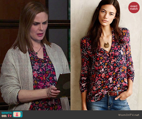 Anthropologie Moonflower Henley worn by Emily Deschanel on Bones