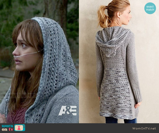 Anthropologie Ombre-Stitch Hooded Sweater worn by Emma Decody on Bates Motel
