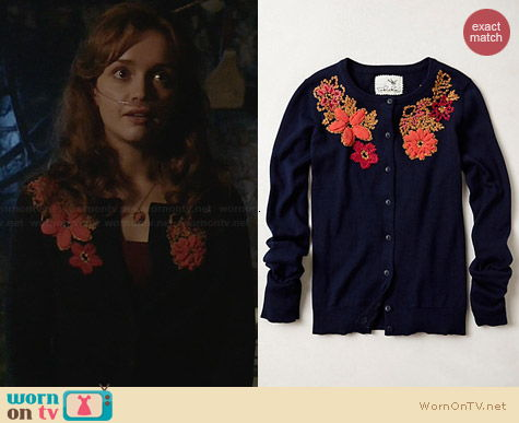 Anthropologie Posey Patch Cardigan worn by Olivia Cooke on Bates Motel