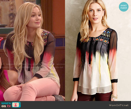 Anthropologie Splashed & Embroidered Peasant Top worn by Olivia Holt on IDDI