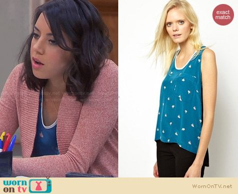 Antipodium Thumb Up Tank worn by Aubrey Plaza on Parks & Rec