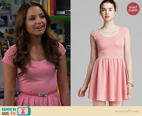 Aqua Cap Sleeve Basket Weave Dress worn by Aimee Carrero on Young & Hungry