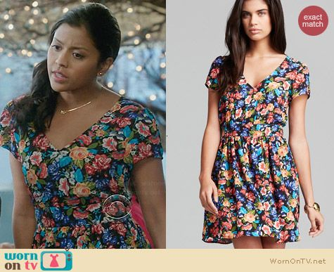 Aqua Phillip Floral Dress worn by Tiya Sircar on The Crazy Ones