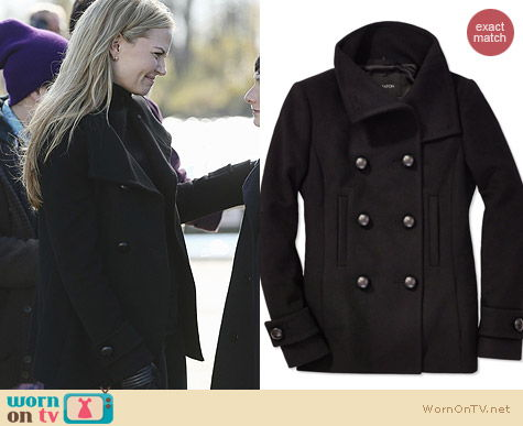 Aritzia Babaton Howell Wool Coat in Black worn by Emma Swan on OUAT