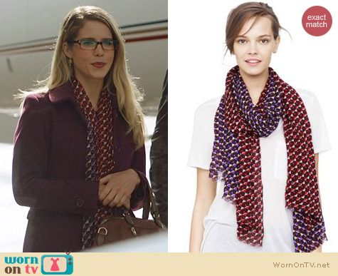 Fashion of Arrow: Club Monaco Lizzie Roundabout Print Scarf worn by Emily Bett Rickards
