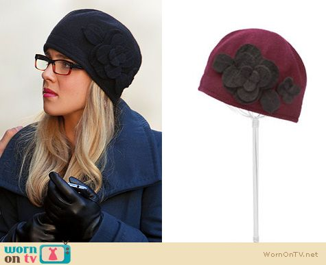 Fashion of Arrow: Parkhurst Wool Flower Beret worn by Felicity Smoak