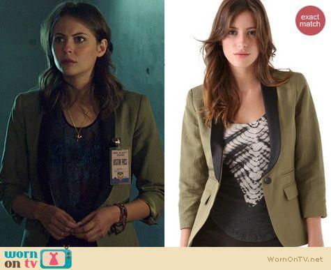 Arrow Fashion: Smythe  Two Tone Blazer worn by Willa Holland
