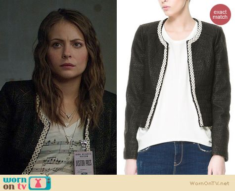 Fashion of Arrow: Zara multileather jacket worn by Willa Holland