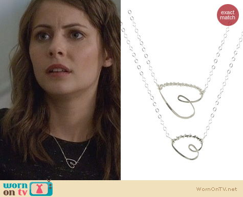 Arrow Jewelry: Peggy Li Have a Heart Necklace worn by Willa Holland