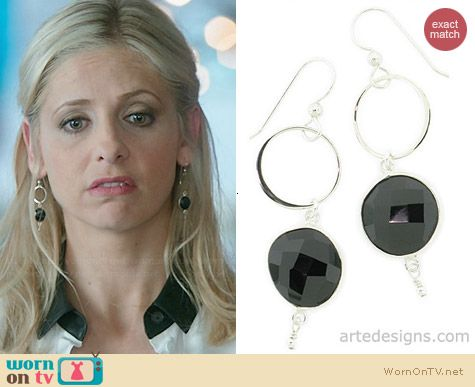 Arte Designs Infinity Black Spinel Earrings worn by Sarah Michelle Gellar on The Crazy Ones