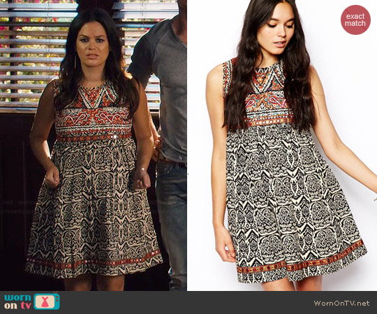 ASOS Swing Dress with Embroidery worn by Rachel Bilson on Hart of Dixie