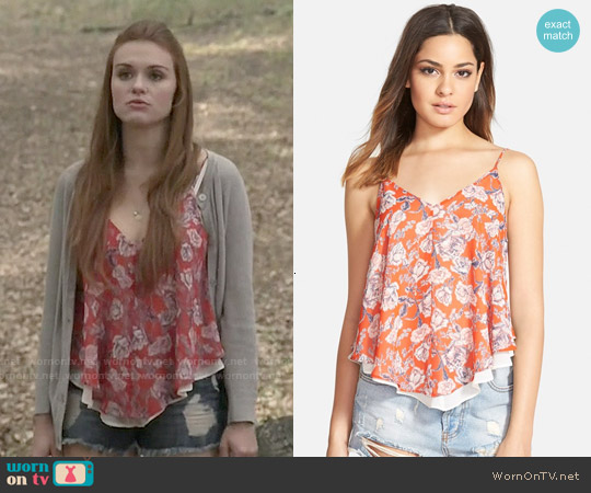 ASTR Print Double Layer Camisole worn by Holland Roden on Teen Wolf