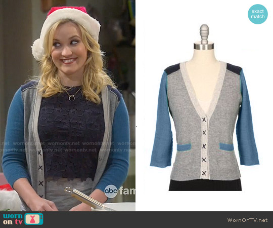 Autumn Cashmere Color Block Cardigan worn by Gabi Diamond on Young & Hungry