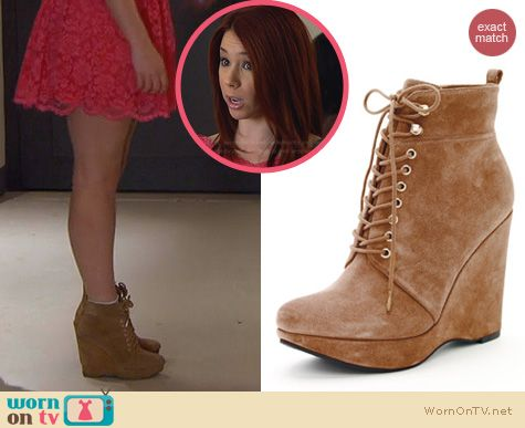 Shoes on Awkward: Michael by Michael Kors Jada Wedges worn by Jillian Rose Reed