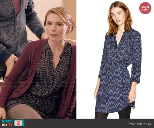 Babaton Bennett Dress in Navy/Ceramic worn by Wallis Currie-Wood on Madam Secretary