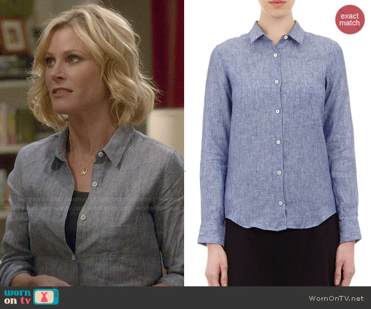 Barneys New York Micro-dot Chambray Shirt worn by Julie Bowen on Modern Family
