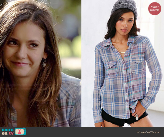BDG Shrunked Double-Cloth Snap-Down Shirt in Blue worn by Nina Dobrev on The Vampire Diaries