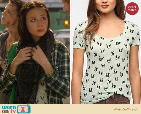 BDG Boston Faces Printed Tee from Urban Outfitters worn by Malese Jow on Star-Crossed