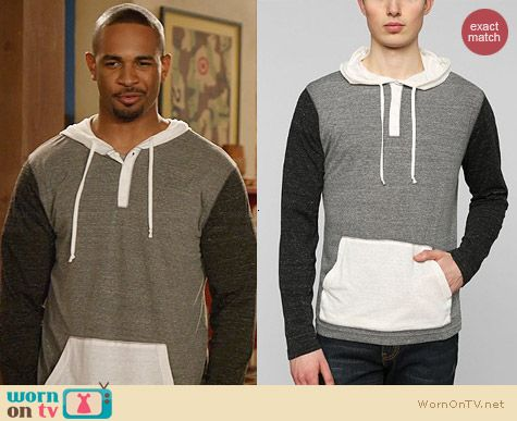 BDG Colorblock Pullover Henley worn by Damon Wayans Jr on New Girl