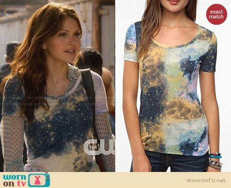 BDG Cosmos Printed Tee from Urban Outfitters worn by Aimee Teegarden on Star-Crossed