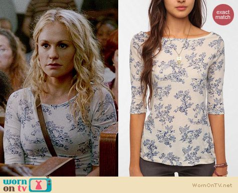 BDG Printed Boatneck Tee worn by Anna Paquin on True Blood