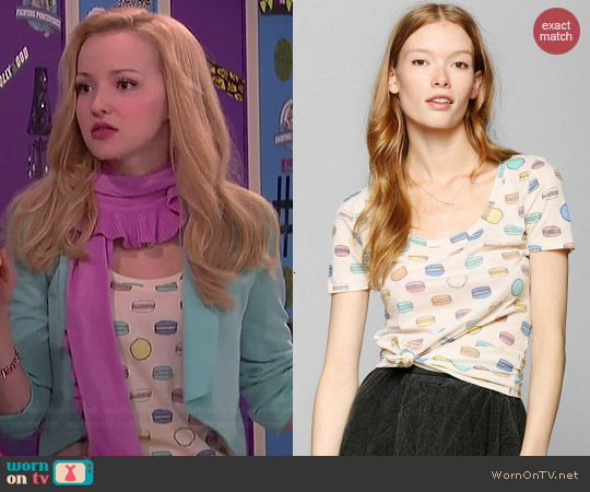 BDG Printed Scoopneck Tee worn by Dove Cameron on Liv & Maddie