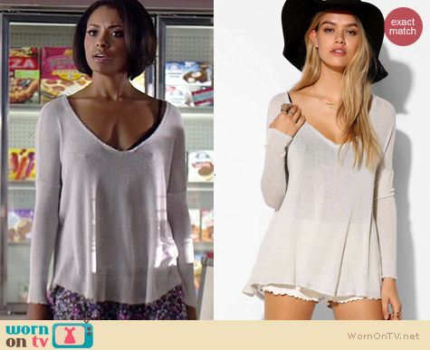 BDG Raw Edge Vneck Top worn by Kat Graham on The Vampire Diaries