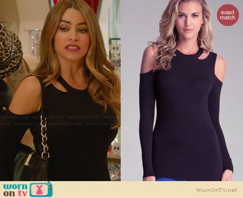 Bebe Cold Shoulder Cut Out Top worn by Sofia Vergara on Modern Family