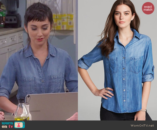 Bella Dahl Denim Seamed Pocket Shirt worn by Molly Ephraim on Last Man Standing