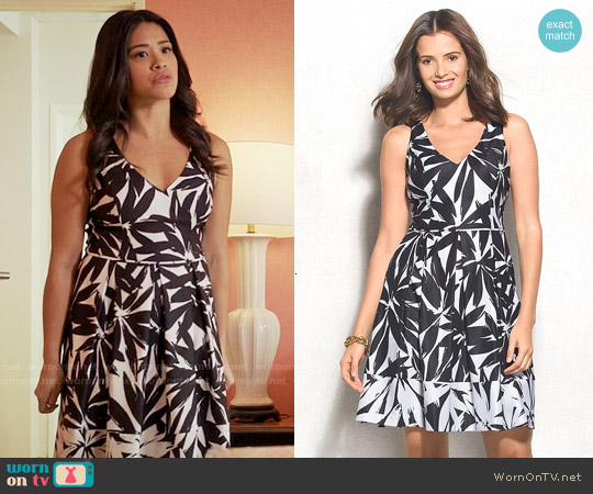 BEYOND by Ashley Graham at Dressbarn Floral Dress worn by Gina Rodriguez on Jane the Virgin
