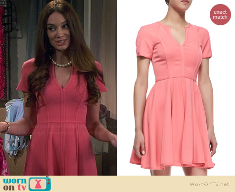 Black Halo Braelyn Dress worn by Mallory Jansen on Young and Hungry