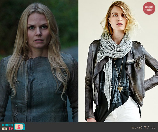 Blur Ria Leather Snake Jacket worn by Jennifer Morrison on OUAT