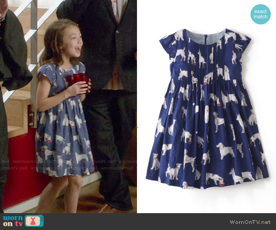 Boden Pretty Pintuck Dress worn by Aubrey Anderson-Emmons on Modern Family