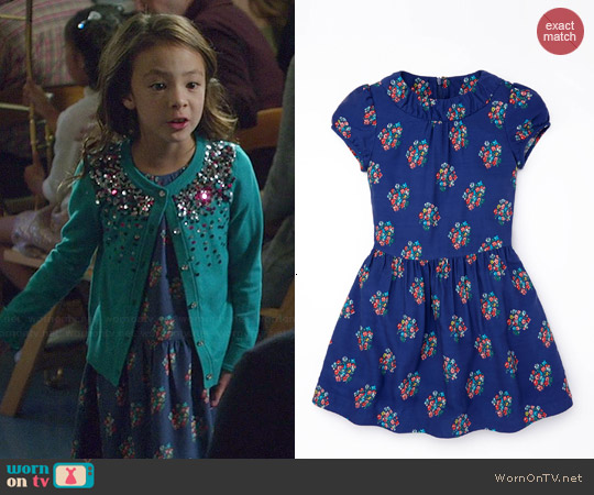 Boden Printed Tea Dress in Soft Navy Posy worn by Lily Tucker-Pritchett on Modern Family
