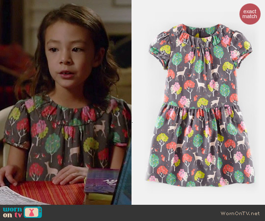 Boden Tea Print Dress in Dusk Winter Woods worn by Aubrey Anderson-Emmons on Modern Family