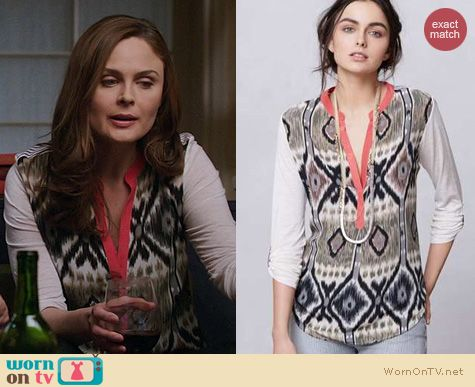 Bones Fashion: Anthropologie Sima Top in grey worn by Emily Deschanel