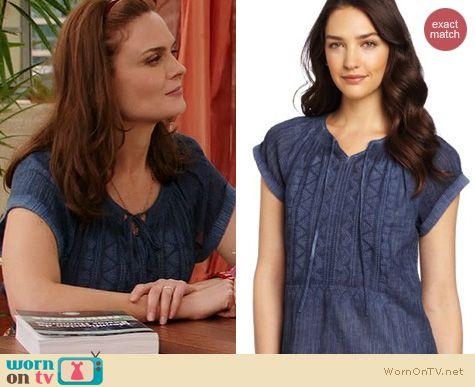 Fashion of Bones: Calvin Klein Blue Wrinkle Gauze Top worn by Emily Deschanel