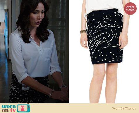 Bones Fashion: Club Monaco Breena Skirt worn by Michaela Conlin