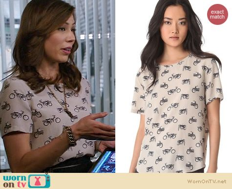 Bones Fashion: Equipment Riley top in Ryder print worn by Michaela Conlin