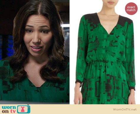 Fashion of Bones: Parker Green Printed Crossover Dress worn by Michaela Conlin