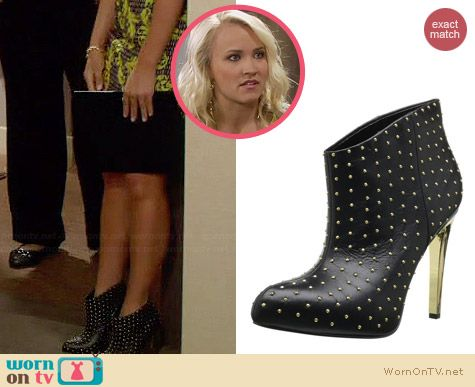 Boutique 9 Faustine Boot worn by Emily Osment on Young & Hungry