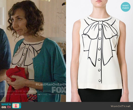 Boutiqe Moschino Pussy Bow Print Top worn by Kristen Schaal on Last Man On Earth