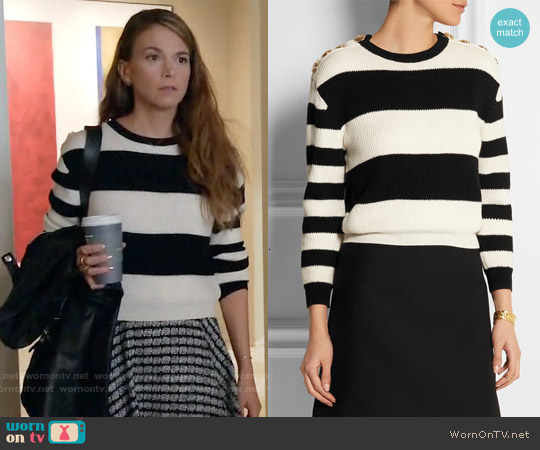 Boutique Moschino Cropped Striped Ribbed Wool Sweater worn by Sutton Foster on Younger