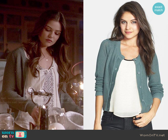 BP Cropped Textured Cardigan worn by Danielle Campbell on The Originals