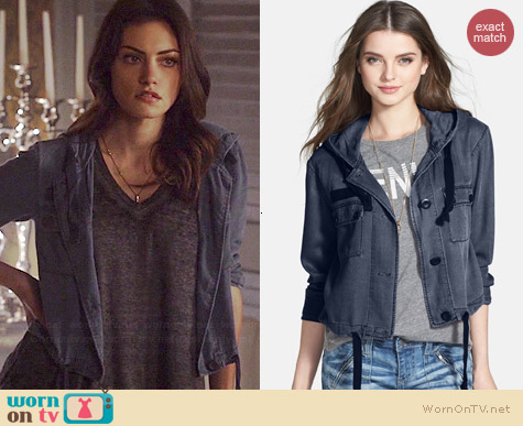 BP Hooded Crop Chambray Jacket in Navy Peacoat worn by Phoebe Tonkin on The Originals