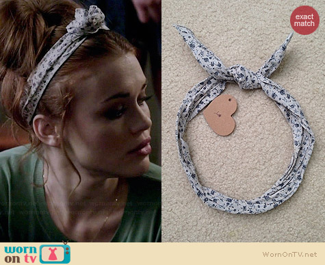 Brandy Melville Floral Wire Headband worn by Holland Roden on Teen Wolf